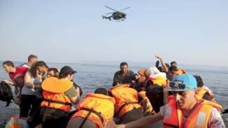Criza refugiatilor: Peste 300.000 de oameni au traversat Mediterana anul acesta pentru a ajunge in Europa