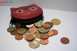 Curs valutar: Euro face un mic pas in fata