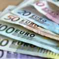 Curs valutar: Euro scade putin