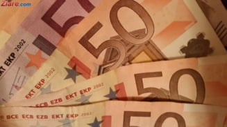 Curs valutar: Euro scade sub 4,75 de lei