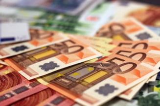 Curs valutar: Euro se apropie iar de 4,78 lei, lira e la cel mai mare nivel din iunie 2016