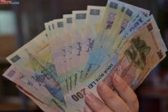 Curs valutar: Euro si dolarul cresc simtitor
