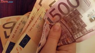 Curs valutar: Euro creste iar