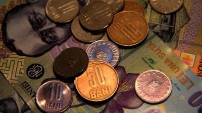 Curs valutar: Euro scade, dar creste dolarul