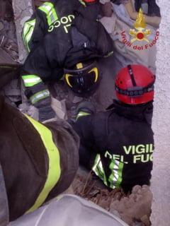 Cutremur devastator in Italia: Un singur roman mai e dat disparut. Primele sicrie ajung maine in Romania