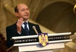 De la cititori: Cantecul de lebada al lui Traian Basescu