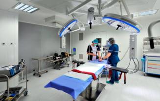 Dosarul operatiilor estetice: Trei medici au fost arestati preventiv