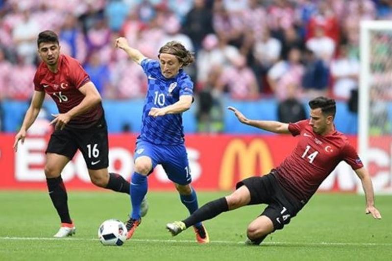 EURO 2016: Croatia invinge Turcia la limita, in debutul grupei D
