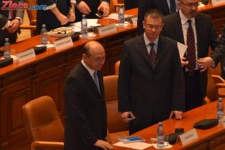 Editorial: E mai bun decat Basescu!