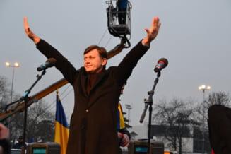 Editorial: Un far pentru Crin Antonescu