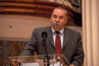 Editorial: Cine s-a prefacut mai tare, Marga sau Basescu?