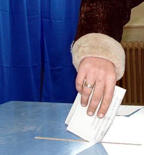 Europarlamentare 2009 Partidul lui Merkel castiga alegerile in Germania