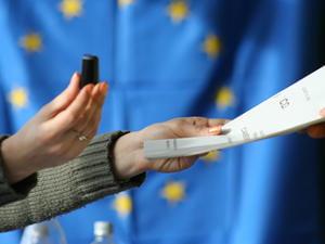 Europarlamentare 2014: In ce ordine sunt partidele pe buletinele de vot