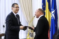 Financial Times: Lupta pentru putere pastreaza Romania in centrul atentiei