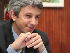 Financial Times: Sa vii cu banii pe scarile ministerului e impresionant, chiar si in Romania