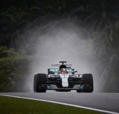 Formula 1: Hamilton a bifat al 70-lea pole din cariera. Dezastru pentru Vettel la Sepang