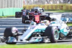 """Formula 1: Hamilton il invinge """"la mustata"""" pe Vettel in Marele Premiu al Spaniei"""
