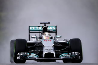 Formula 1: Lewis Hamilton castiga Marele Premiu al Malaeziei