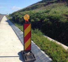 Fotografia zilei: Autostrada amenintata de pamant
