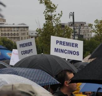 Fotografia zilei: Mitingul umbrelelor