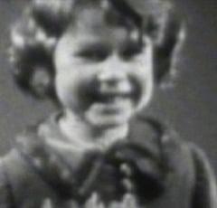 Fotografia zilei: Mult inainte de a deveni Majestate: Cum arata regina Angliei acum 85 de ani