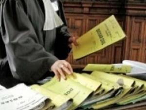 Frauda la referendum: 3 presedinti de sectii si un membru, trimisi in judecata