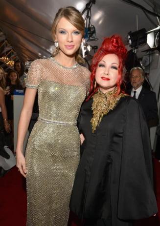 Grammy 2014, in imagini: Defilare pestrita pe covorul rosu - cine a impresionat si cine nu