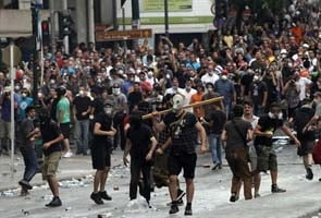 Greva in Grecia: Peste 40 de persoane au fost ranite marti