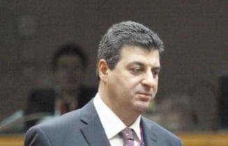 Guvernul Ciolos: Mihnea Motoc, diplomatul propus pentru Ministerul Apararii