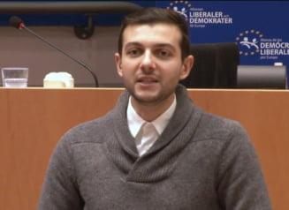 Invitatii Ziare.com Claudiu Craciun: Noua Constitutie. Spectrul apatiei si violentei