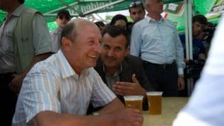 Invitatii Ziare.com Emilian Isaila: Asteptand Partidul Popular cu bai de multime, otevisti, bere si mici