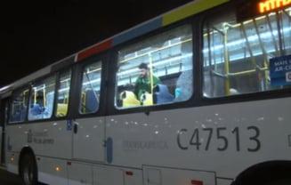 Jocurile Olimpice 2016 Incident grav la Rio: Autobuz cu jurnalisti, atacat in drum spre Satul Olimpic (Video)