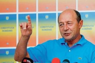 Le Figaro: Traian Basescu ramane la carma