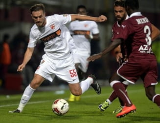 Liga 1: Dinamo castiga derbiul cu Rapid dupa doua cadouri din partea adversarilor