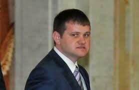 Limba romana, limba oficiala in R. Moldova: Daca Parlamentul nu schimba Constitutia, poate fi dizolvat
