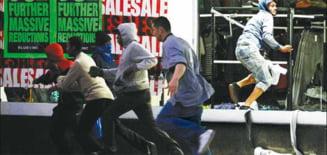 Londra in flacari: Manchester si regiunea Midlands s-au contaminat cu violente