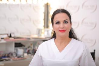 Make-up cu Lizi Serbanescu: 7 moduri inedite in care poti sa folosesti pudra de bebelusi
