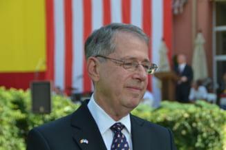 Mandru ca sunt roman: Ambasadorul SUA: O demonstratie a caldurii romanilor