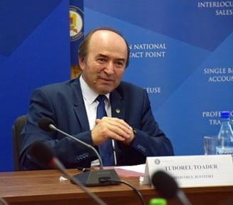 """Marea eliberare: Raluca Pruna il acuza pe ministrul Toader ca nu a aparat proiectul in Parlament si acum da dovada de """"lasitate"""""""