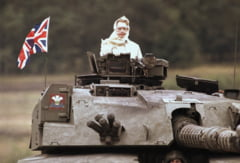 Margaret Thatcher a murit: Poze emblematice pentru cariera sa (Galerie foto)