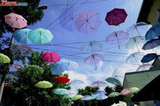 Meteo: Continua sa ploua - nu pleca fara umbrela de acasa