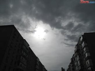 Meteo: Doua zile cu temperaturi foarte ridicate, dar si furtuni cu ploi abundente
