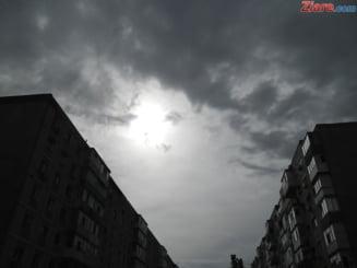 Meteo: Mai tremuram si azi. Vezi unde se anunta ninsori si cum va fi vremea in weekend