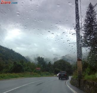 Meteo: Se anunta un inceput de saptamana ploios, asa ca mai bine #stamacasa