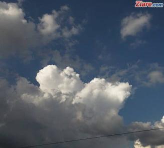 Meteo: Sfarsit de saptamana cu ploi