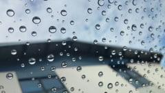 Meteo: Vin ploile, dar temperaturile raman placute in weekend. De luni se raceste