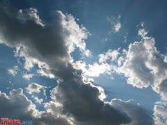 Meteo: Vremea se incalzeste, dar nu scapam complet de ploi