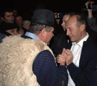 Opinii: Basescu revolutioneaza viata satului