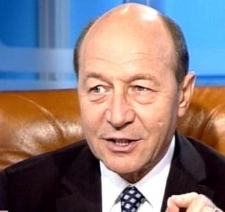 Opinii: Dumnezeu, speranta lui Traian Basescu pentru a iesi din criza
