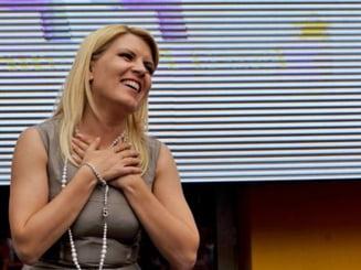 Opinii: Elena Udrea da lumina orbilor de patru miliarde de euro